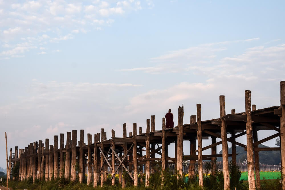 u bein bridge in the morning in mandalay.jpg