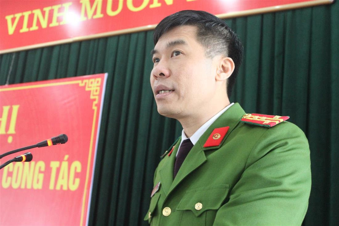 Đại tá Cao Minh Huyền, Phó Giám đốc Công an tỉnh phát biểu chỉ đạo hội nghị
