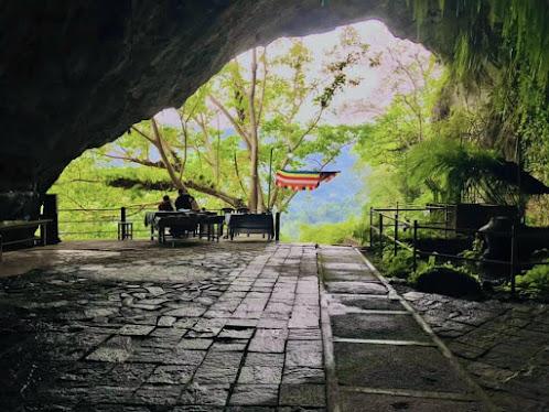 Batatotalena Cave