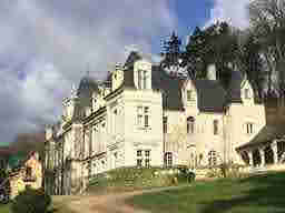 エミリー、パリへ行く Camille's Winery in champagne  Château de Sonnay