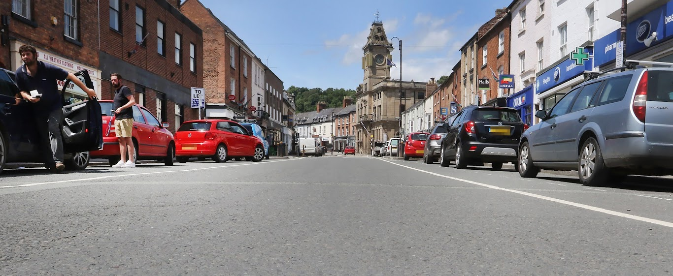 Could free parking lure back the Welshpool shoppers?