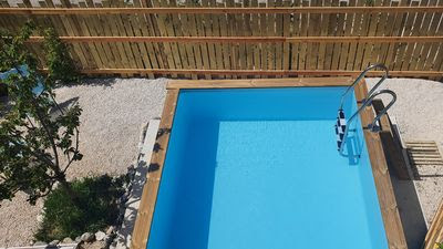 Se rafraichir dans notre petite piscine...