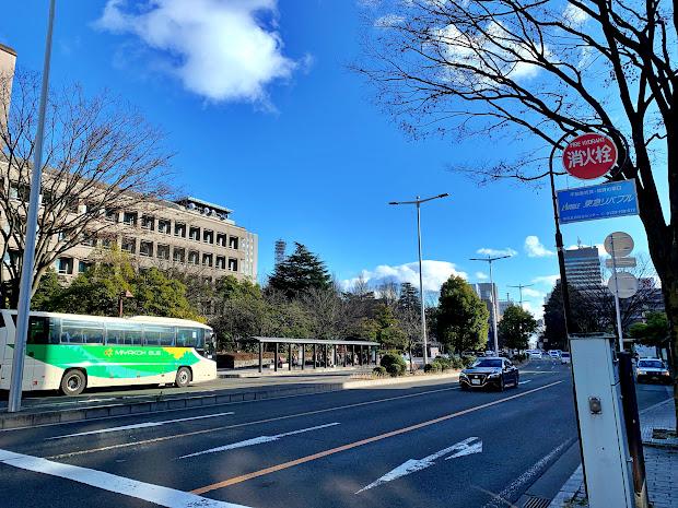 県庁市役所前バス停