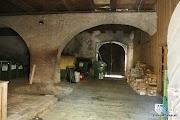 wnętrze gotyckiego kościoła (pokliknięciu strzałka wprawo)
