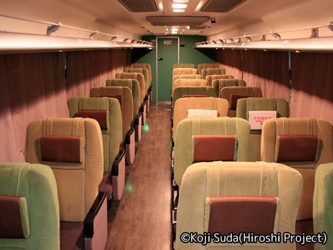 京王バス「広瀬ライナー」夜行便 51201 車内