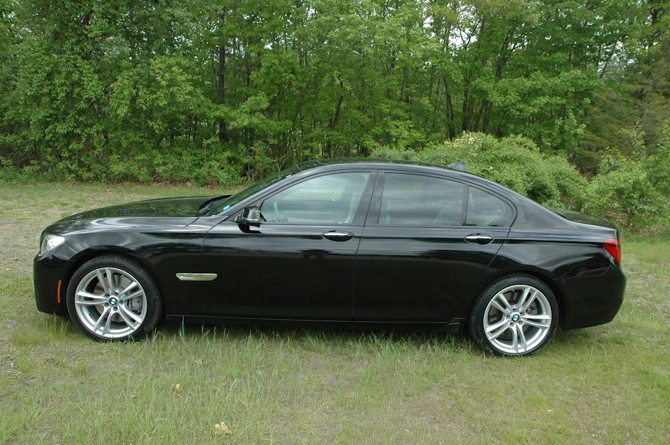 2013 BMW 750xi Black