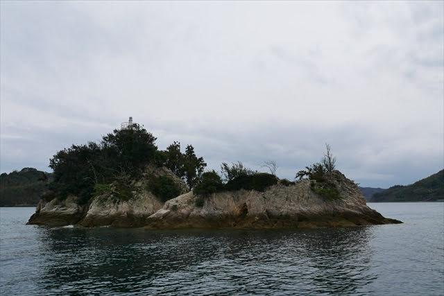 鶏小島灯台