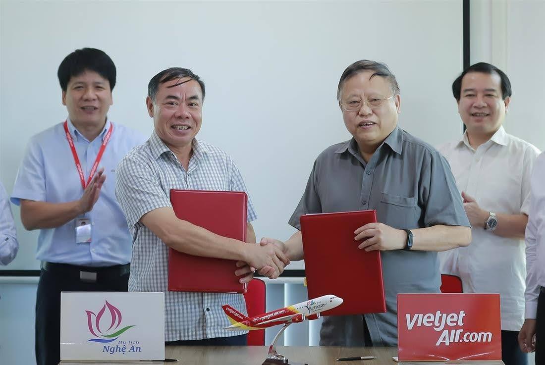 Công ty Cổ phần Hàng không Vietjet sẽ phối hợp với Sở Du lịch tỉnh Nghệ An tổ chức các chương trình quảng bá du lịch
