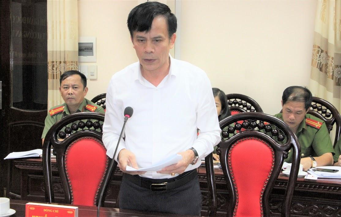 Đồng chí Trần Ngọc Tú – Chủ tịch UBND TP Vinh phát biểu tại buổi làm việc.