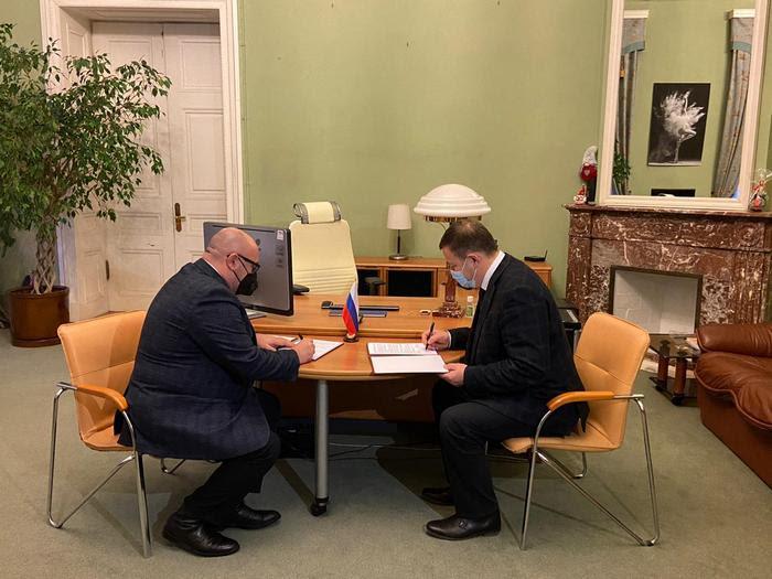 Сегодня в Северной столице состоялось подписание протокола о намерениях развития сотрудничества между комитетом культуры Волгоградской области и комитетом по культуре Санкт-Петербурга
