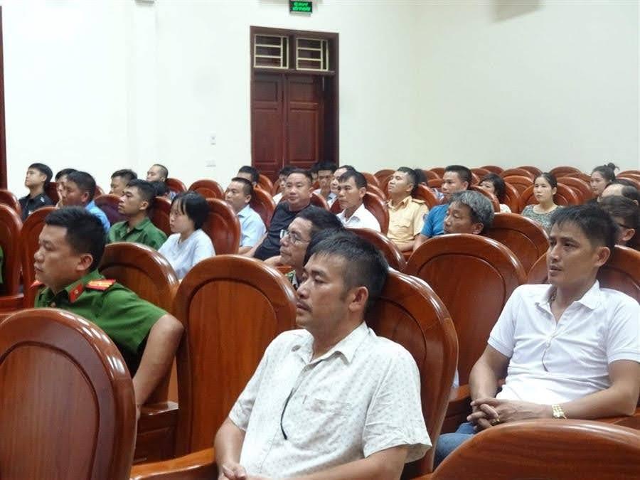 Hơn 100 cá nhân, doanh nghiệp kinh doanh trên địa bàn tham dự buổi đối thoại