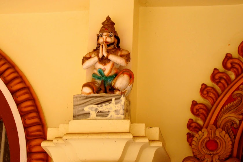 Индия от А до Э: спасшиеся в пещерных храмах Аджанты и Эллоры.