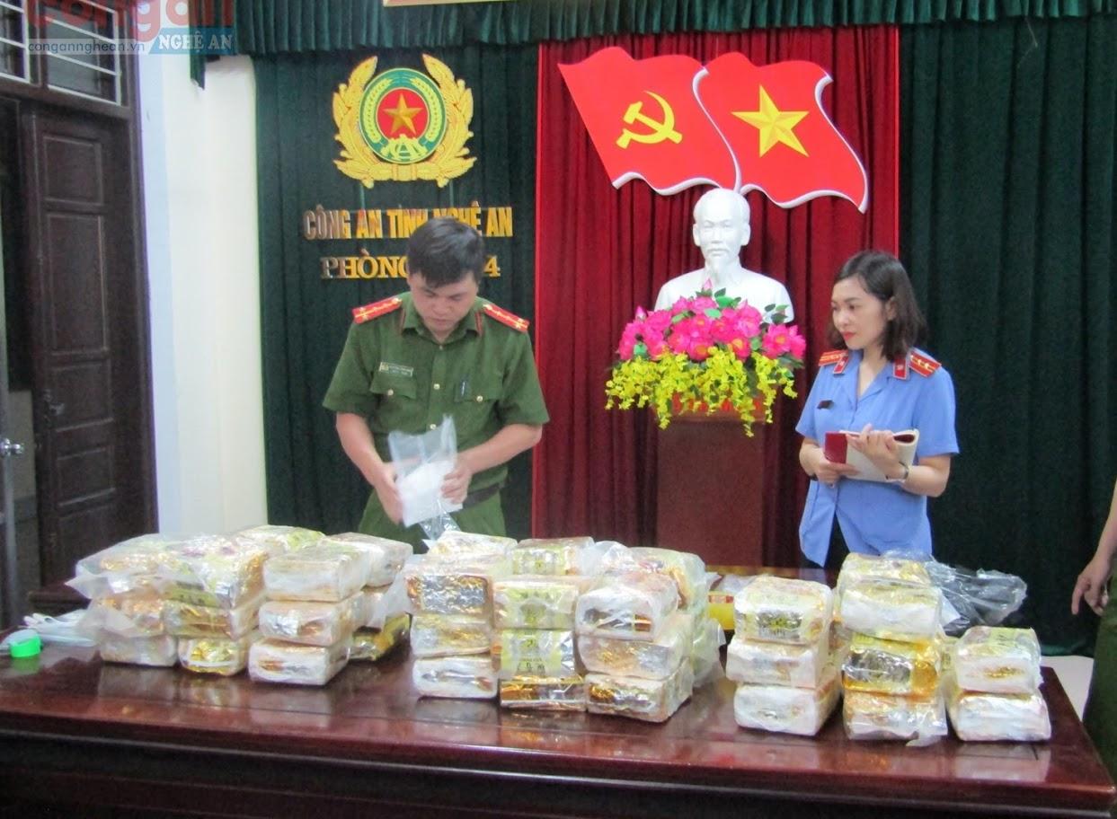 Tổ chức giám định tang vật trong chuyên án                      50 kg ma tuý đá