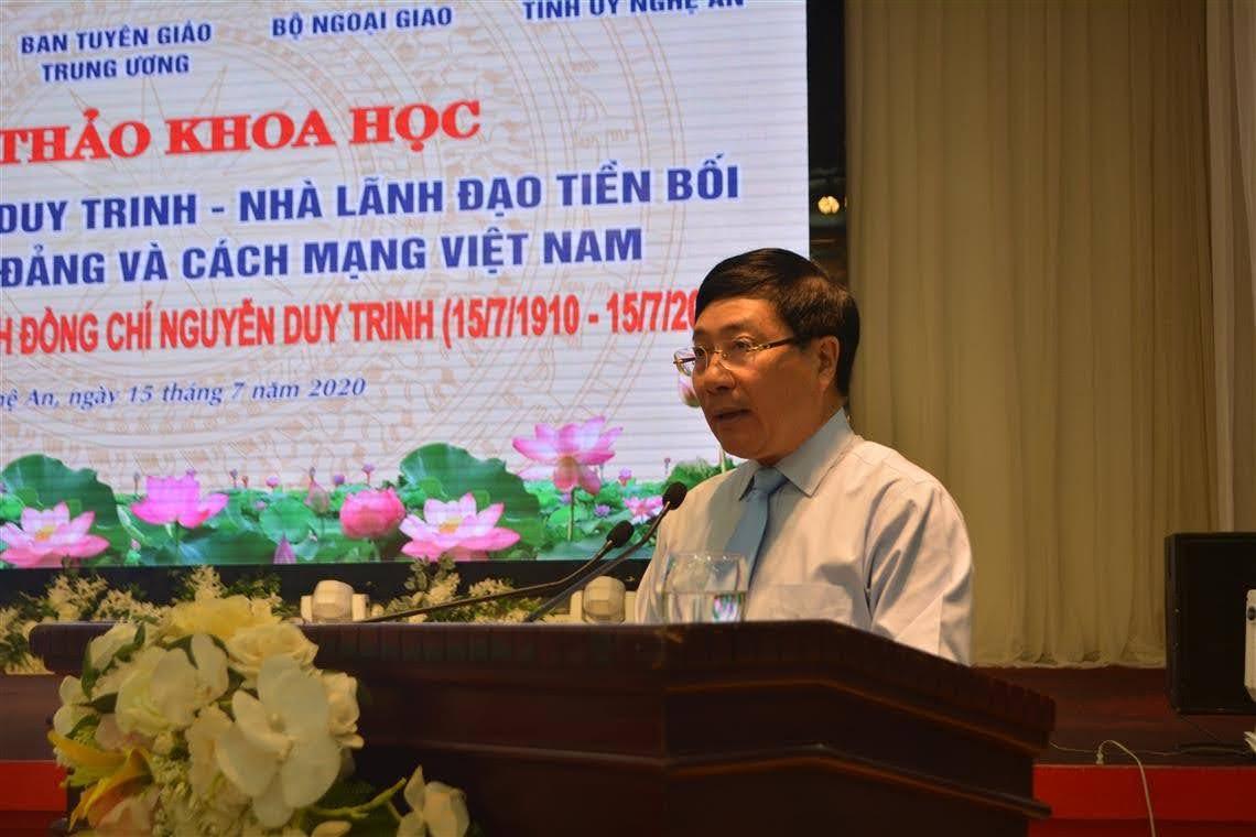 Đồng chí Phạm Bình Minh- Ủy viên Bộ Chính trị, Phó Thủ tướng Chính phủ, Bộ trưởng Bộ Ngoại giao phát biểu tại Hội thảo