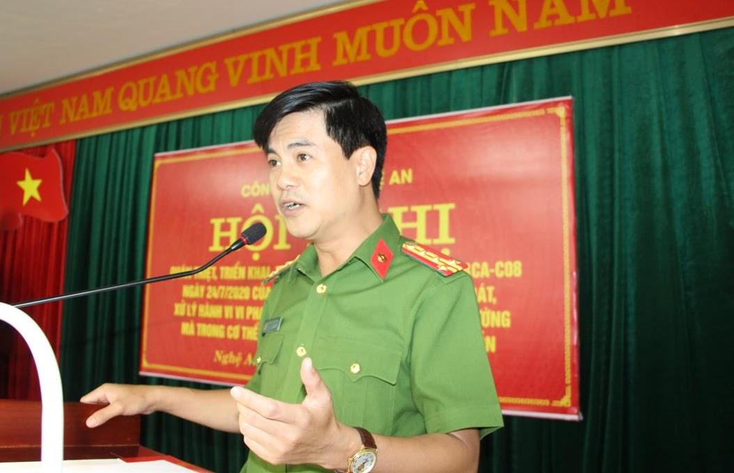 Đại tá Nguyễn Đức Hải - Phó Giám đốc Công an tỉnh phát biểu tại hội nghị