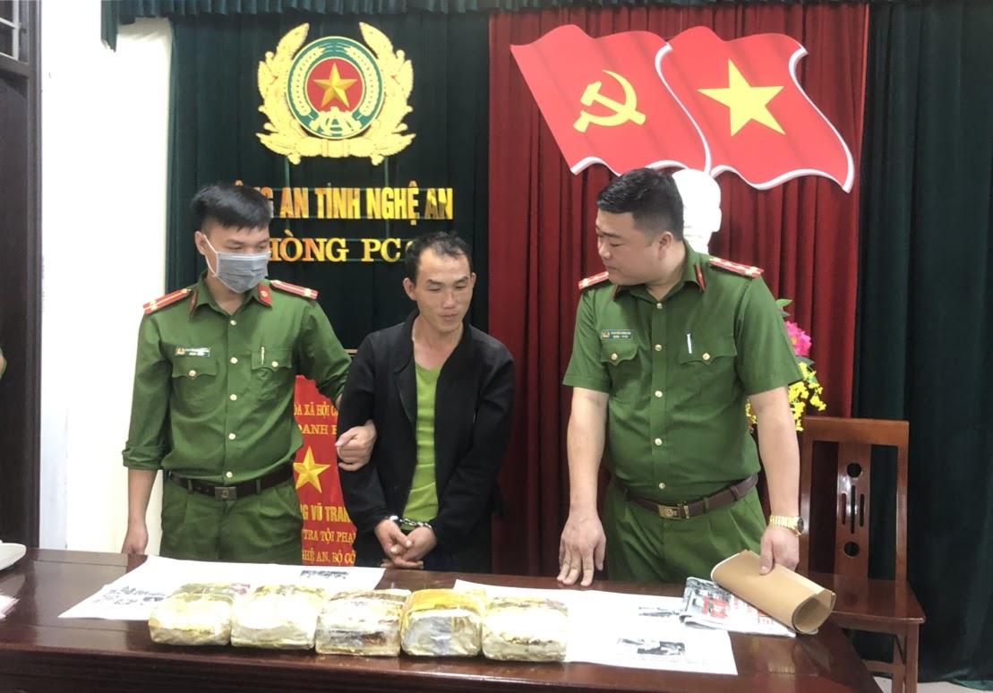 Phòng Cảnh sát ĐTTP về ma tuý bắt giữ đối tượng trong đường dây ma tuý lớn