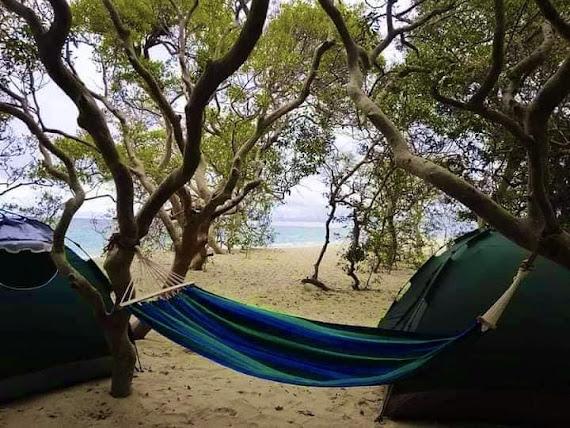 Baththalangunduwa Island: Beach Camping In Sri Lanka