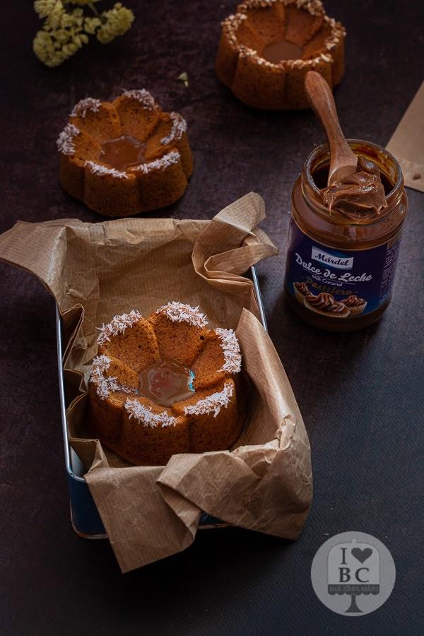 Mini Bundt Cakes de dulce de leche