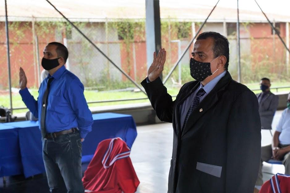 """DOUGLAS NAVARRO, PRIVADO DE LIBERTAD GRADUADO DE ADMINISTRACIÓN DE EMPRESAS: """"CON LAS ACCIONES DE HOY PODEMOS CAMBIAR EL MAÑANA"""""""