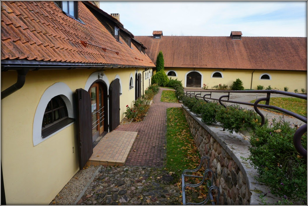 Латвия: усадьбы, замки, дворцы и не только… Изучаем родной край в условиях пандемии.