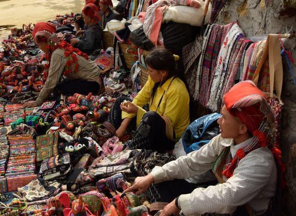 Sapa Handicrafts, Red Dzao Women, Sapa.jpg