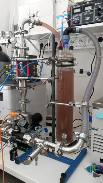 Elektrochemický reaktor pre laboratórne a pilotné testy čistenia vôd zostrojený na Ústave geotechniky SAV v Košiciach