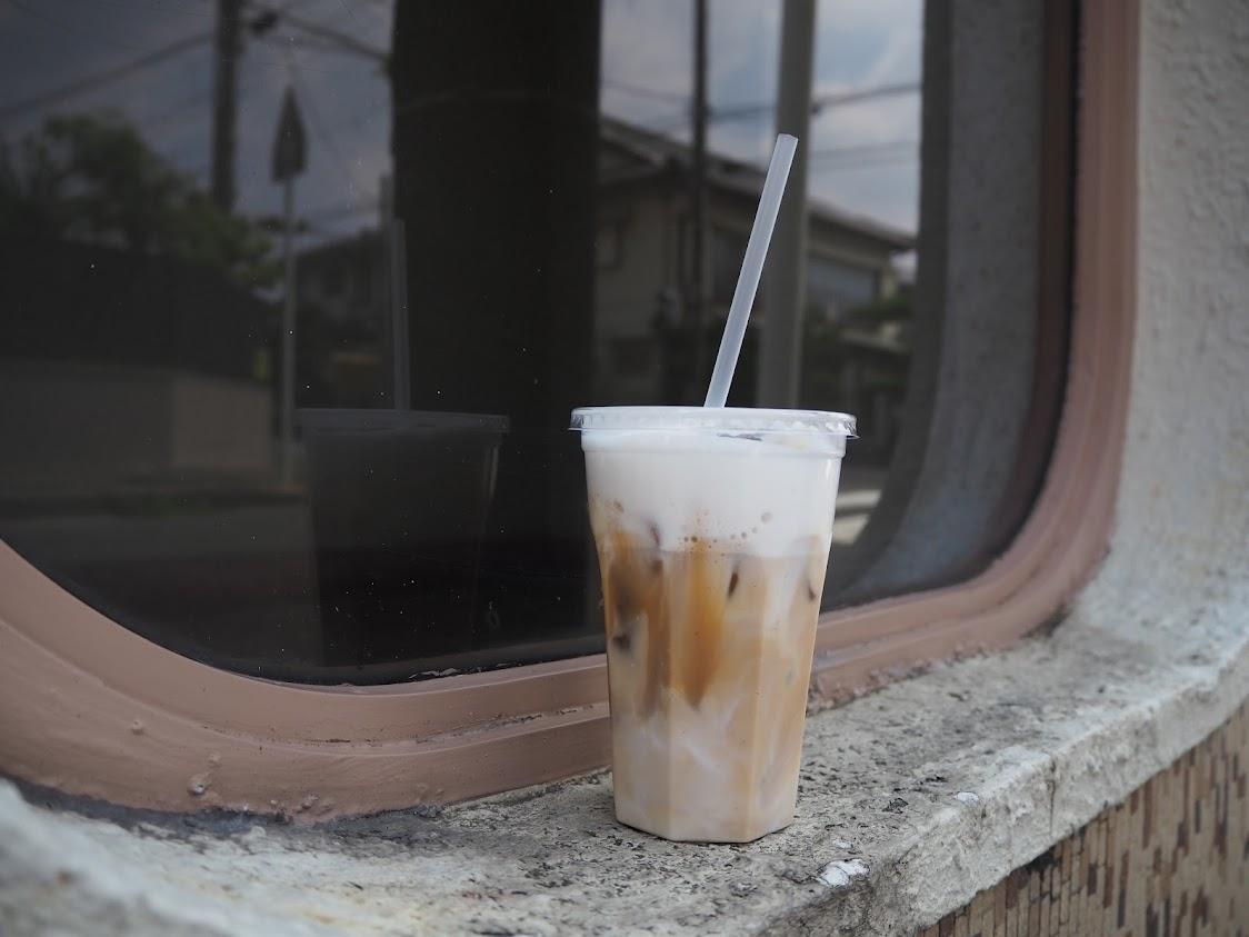 チーロバのアイスカフェオレ+ホイップクリーム