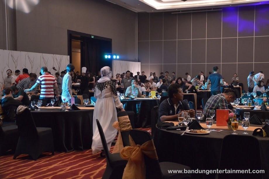 Bandung entertainment, event organizer di bandung, event gala dinner di hilton hotel bandung, libherr masquerade night 2016, jasa eo bandung
