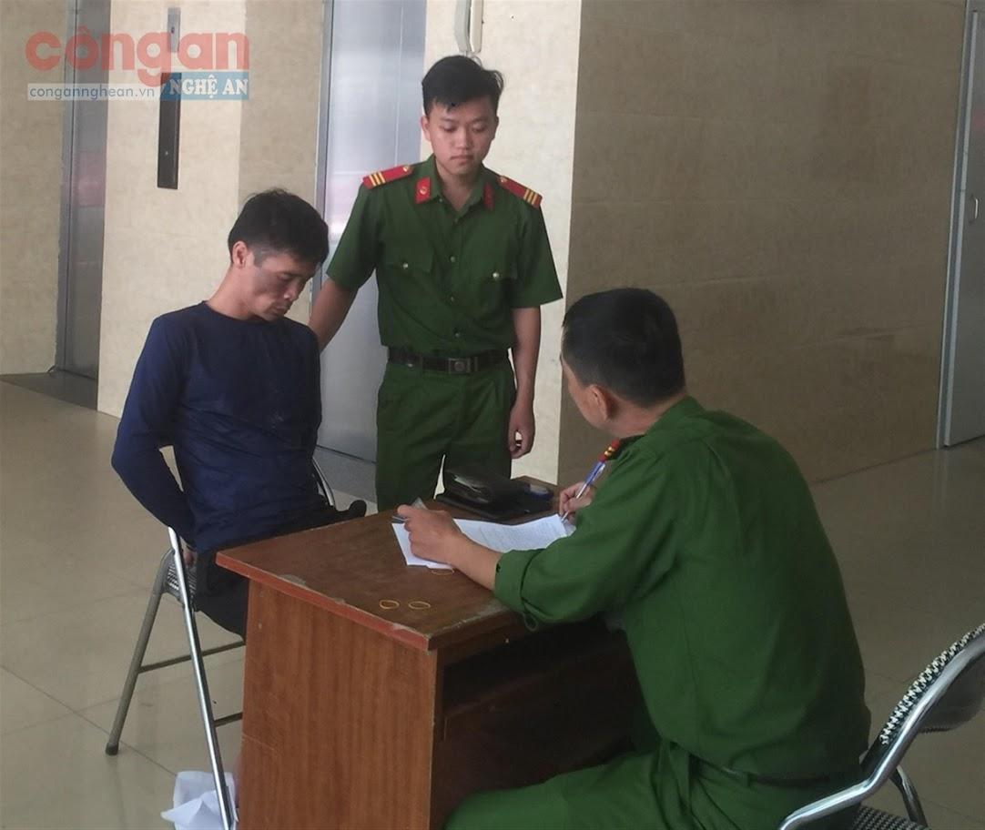 Lực lượng Công an làm việc với đối tượng                   Nguyễn Thọ Hiếu