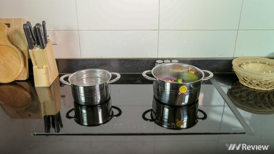 Bếp từ Electrolux EHI7280BA có 2 vùng nấu