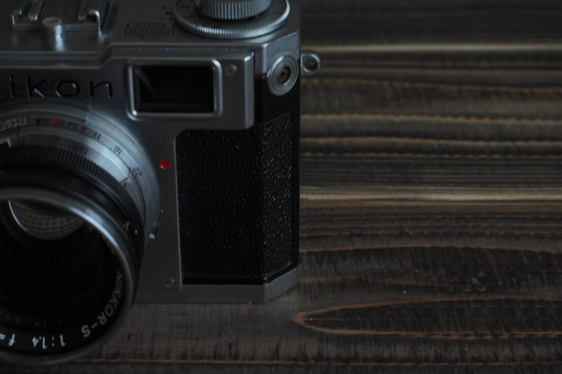 ニコンのレンジファインダーフィルムカメラ NikonS2