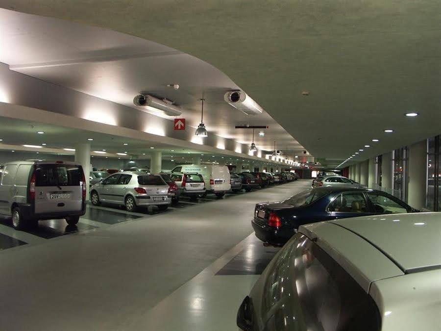Rất nhiều chung cư tại TP Vinh không có đủ chỗ đậu xe oto