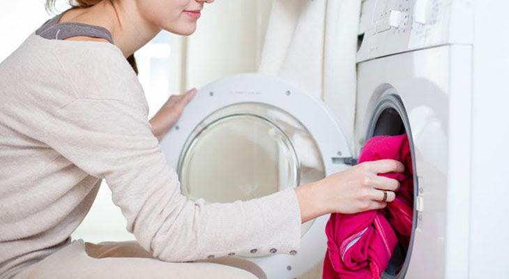 Không nên giặt quá ít quần áo trong một lần giặt