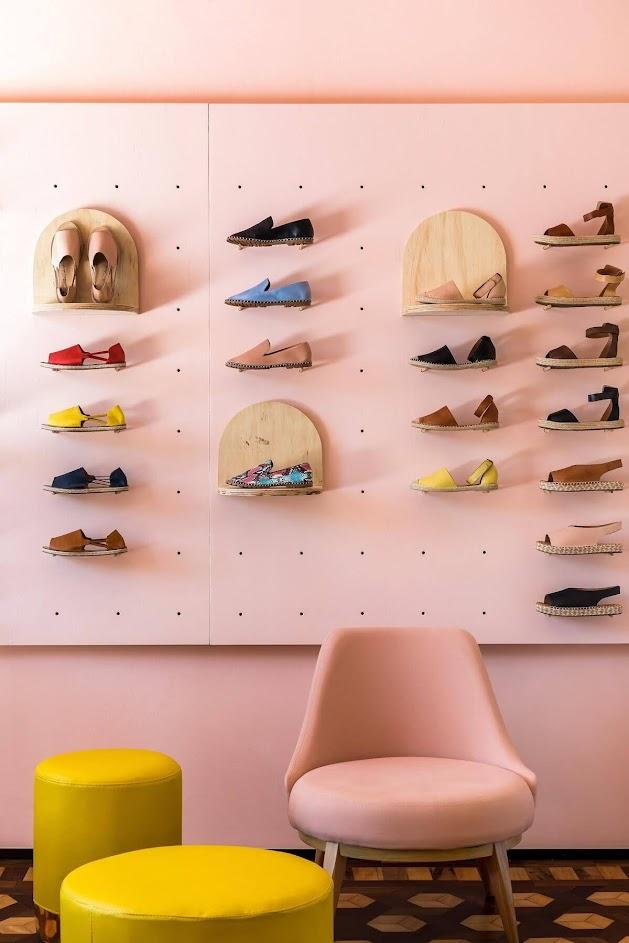 thiết kế shop giày đẹp