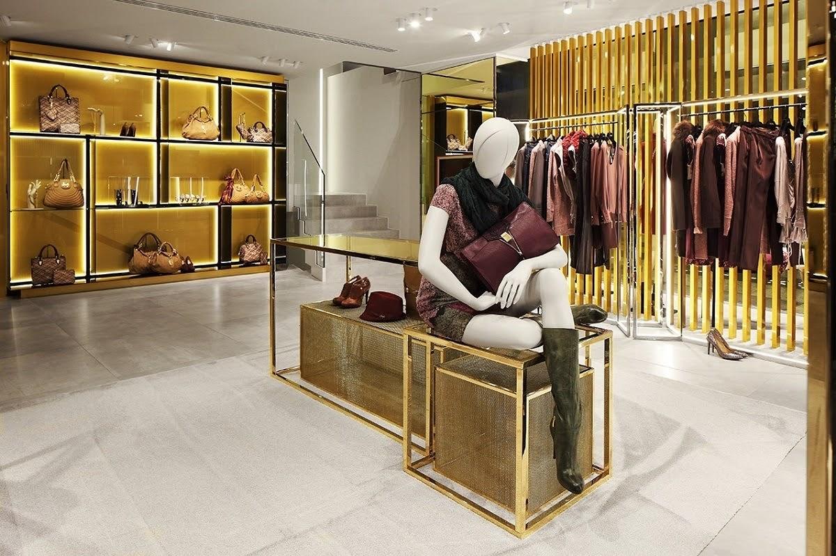 mẫu thiết kế shop quần áo sang trọng