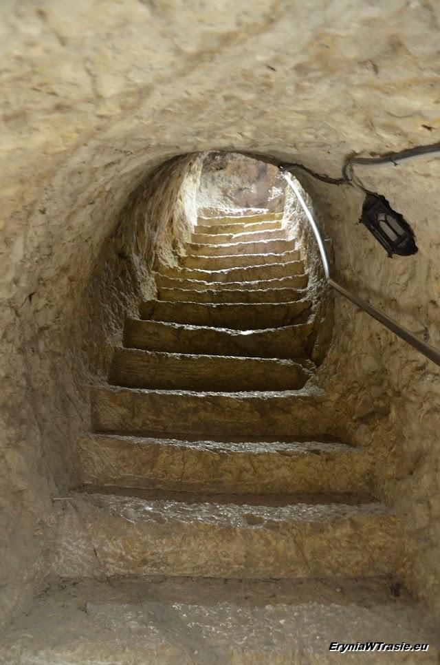 tunelem dotwierdzy