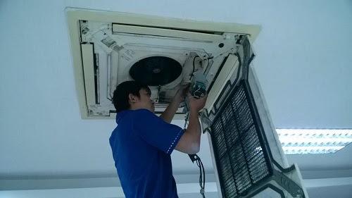 Lắp đặt dàn lạnh điều hòa loại âm trần Cassette cho tòa nhà