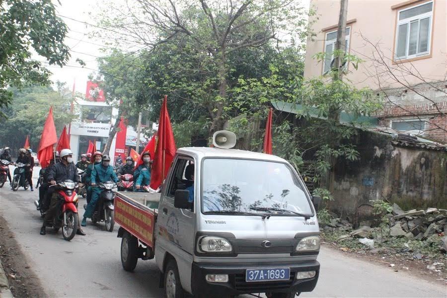Sau lễ phát động, các lực lượng tham gia diễu hành trên các tuyến đường