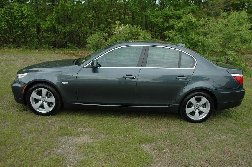 2008 BMW 528xi Gray