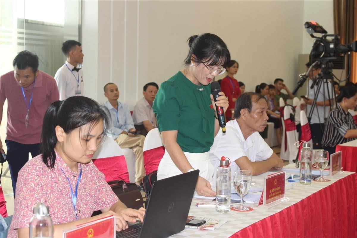 Các đại biểu chất vấn về trách nhiệm chủ đầu tư trong quản lý dự án khu chung cư cao tầng Nghệ An