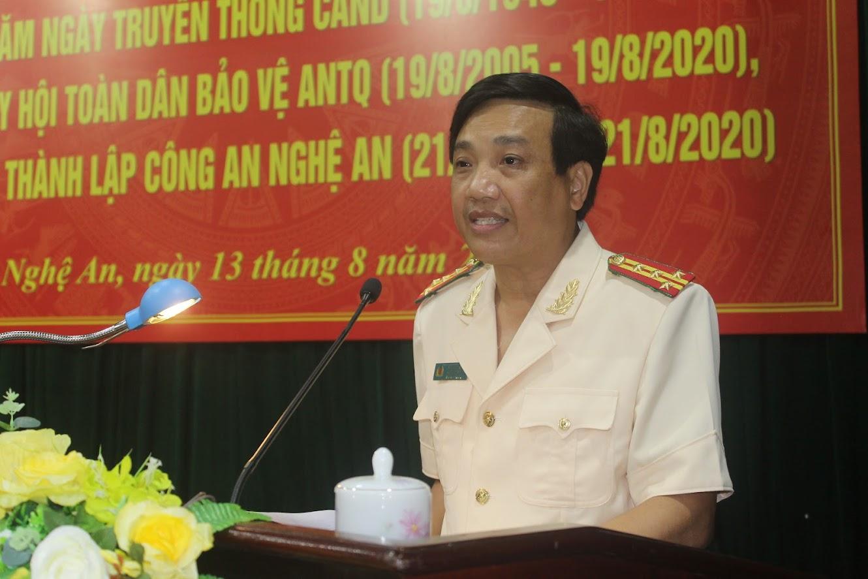 Đại tá Hồ Văn Tứ, Phó Bí thư Đảng ủy, Phó Giám đốc Công an tỉnh đọc diễn văn khai mạc