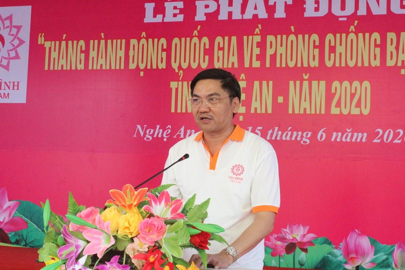 Đồng chí Hoàng Nghĩa Hiếu, Ủy viên BTV Tỉnh ủy, Phó Chủ tịch UBND tỉnh phát biểu tại buổi lễ.