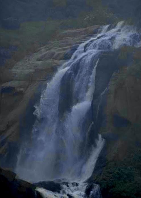 Kurundu Oya Ella Falls
