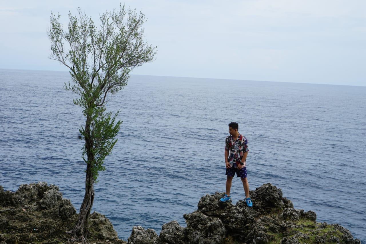 Pemandangan laut dari area Benteng Anoi Itam, Sabang