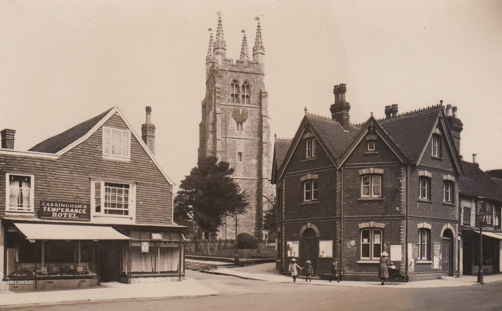 Tenterden Archive 1930 - Cassinghams Temperance Hotel, Church Road, Police Station