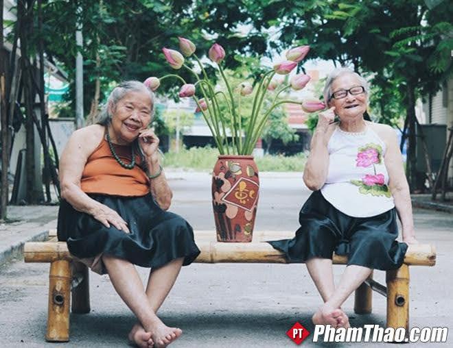 Vì sao người già ở Tp.HCM cảm thấy khó chịu? Nệm nước giúp gì cho người lớn tuổi?