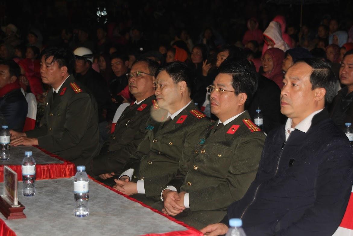 Đại diện lãnh đạo các phòng nghiệp vụ Công an Nghệ An tại chương trình