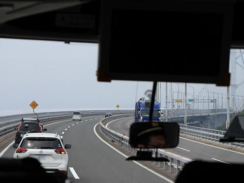 高松エクスプレス「フットバス」神戸線 大鳴門橋通過