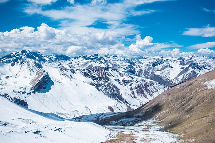 Rainbow Mountain munte colorat Cusco