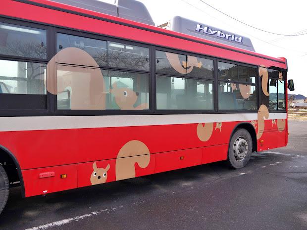 BRT車両ラッピング(おっぽくん、運転席側)